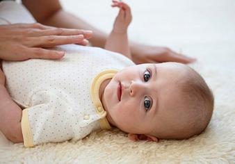 宝宝口吃怎么办